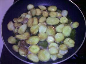 Opgebakken aardappelen_ongeveerklaar